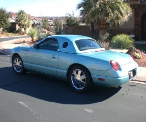 Image of a 2002 Ford thunderbird