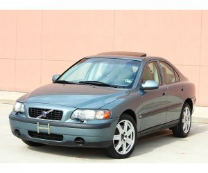 Image of a 2002 Volvo S60 AWD