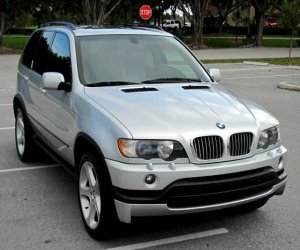 Image of a 2003 BMW X5isSport