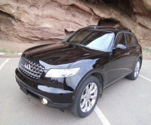Image of a 2003 Infiniti FX45