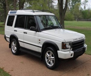 Image of a 2003 Land Rover Discovery SE
