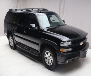 Image of a 2004 Chevrolet Suburban