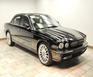 Image of a 2004 Jaguar XJR