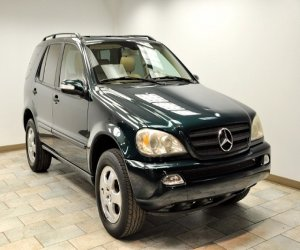 Image of a 2004 Mercedes Benz ML350