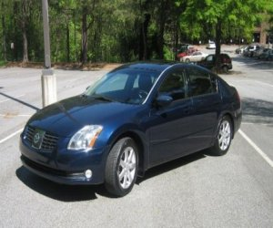 Image of a 2004 Nissan Maxima