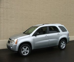 Image of a 2005 Chevrolet Equinox LT