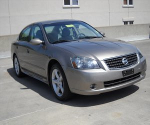 Image of a 2005 Nissan altima