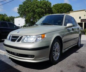 Image of a 2005 Saab 95Arc