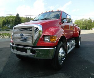 Image of a 2007 Ford F650