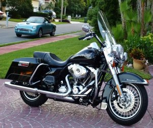 Image of a 2013 Harley Davidson FLHR ROAD KING TOURING
